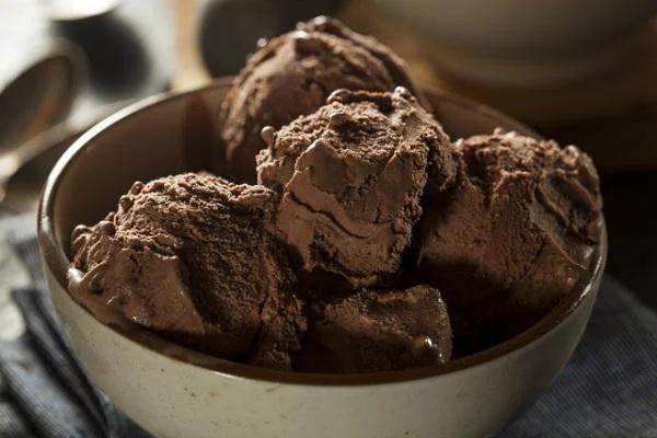 Cách làm kem Socola ngọt ngào, tươi mát ngay tại nhà